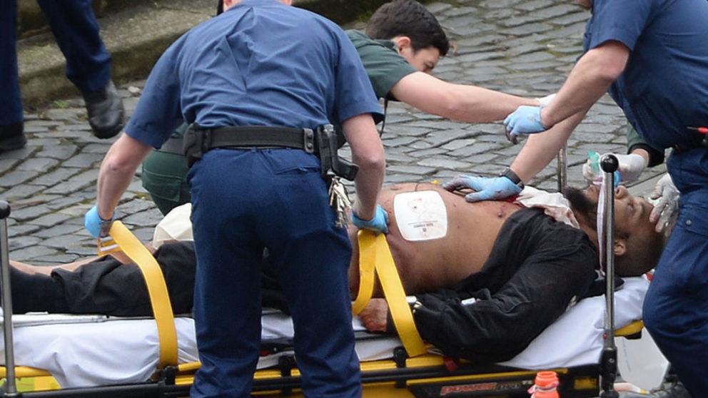Il terrorista autore dell'attacco di Londra di oggi pomeriggio (foto Sky News)