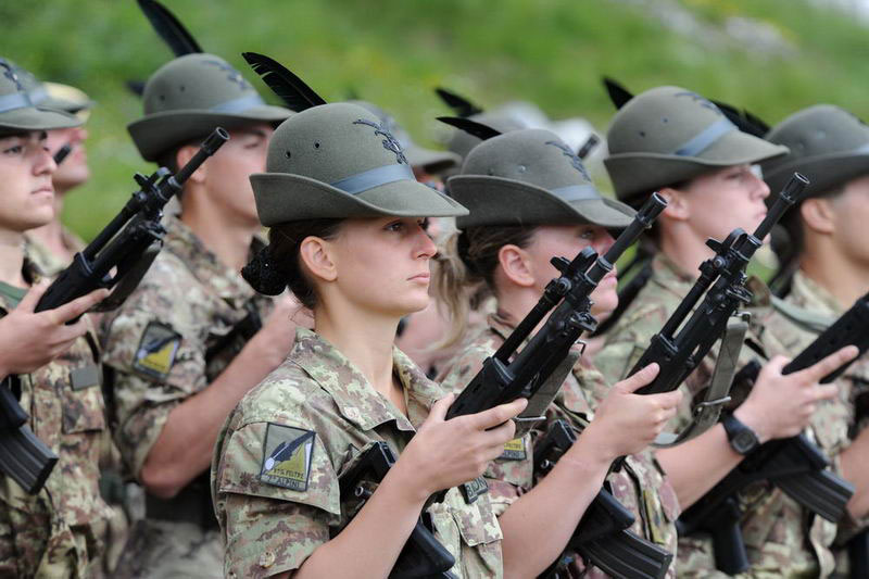 Donne e integrazione nelle Forze Armate, un'analisi della ...