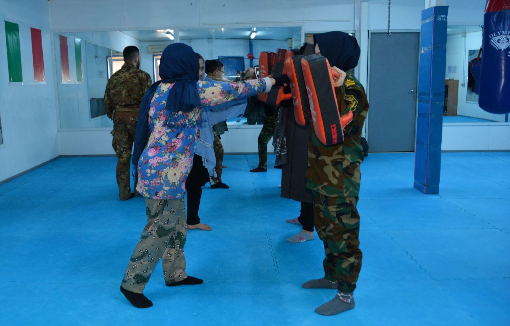 Corso di difesa femminile