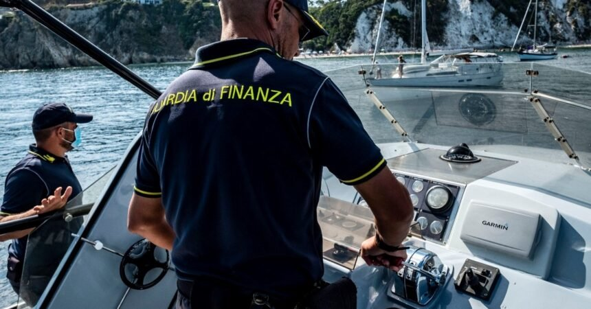 Guardia di Finanza: a Forio d'Ischia incassavano l'imposta ...