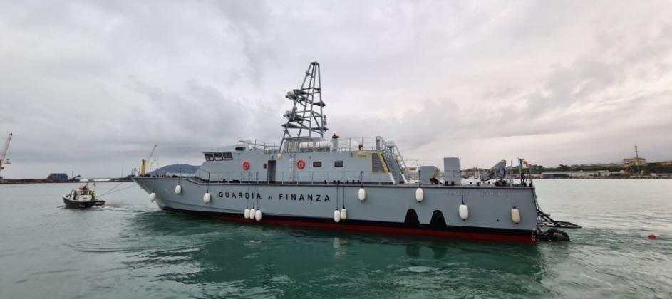 """Guardia di Finanza: Viareggio, varato alla presenza del Comandante Generale  Zafarana il nuovo Pattugliatore Veloce P.V.10 """"Tenente Petrucci"""" - Report  Difesa"""